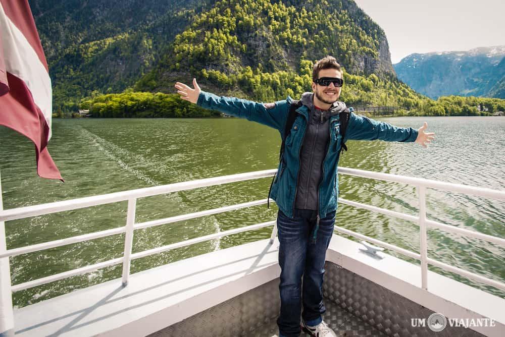 Atravessando o lago para chegar em Hallstatt