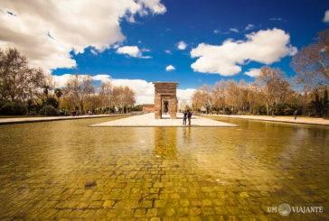 Visitando o Templo de Debod, em Madrid