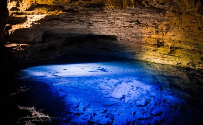 Poço Encantado e Poço Azul, na Chapada Diamantina