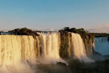 Vídeo Foz do Iguaçu: as Cataratas e a incrível viagem com imagens lindas para inspirar seu roteiro