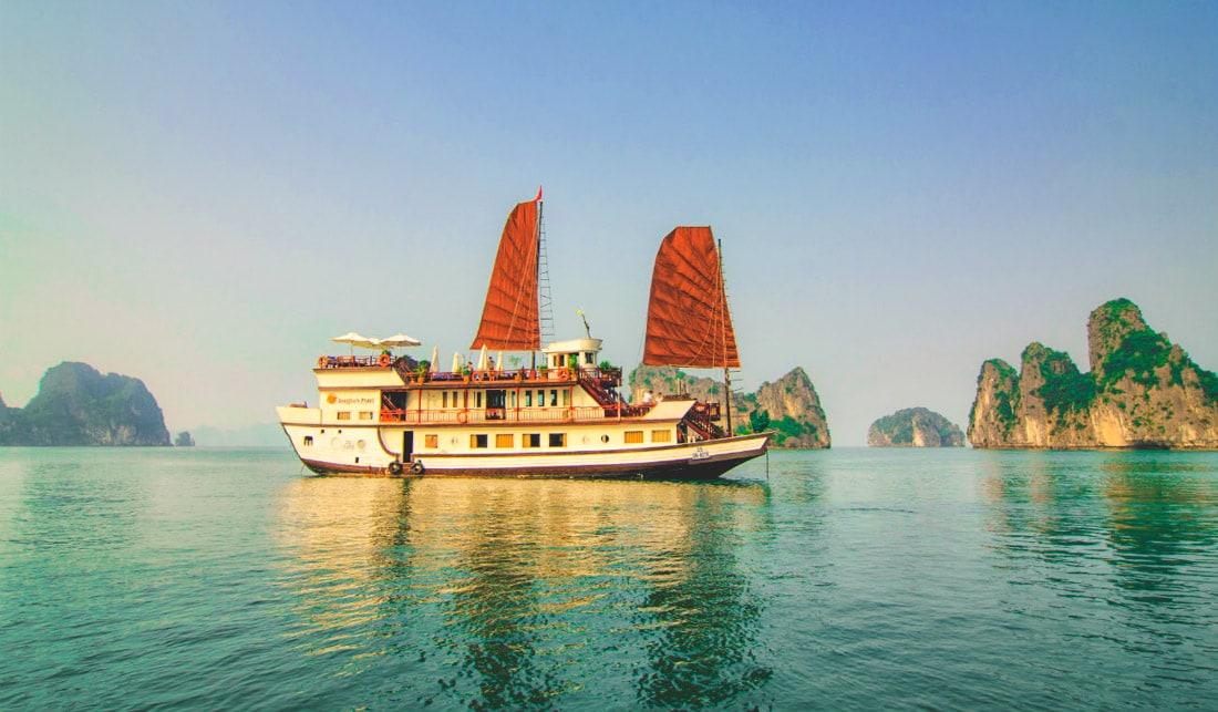 Indochina Junk - Dragon Pearl