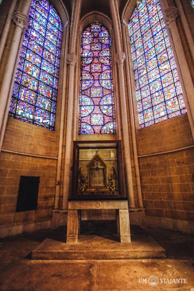 Relíquia Sagrada, Véu de Maria, Catedral de Chartres, França
