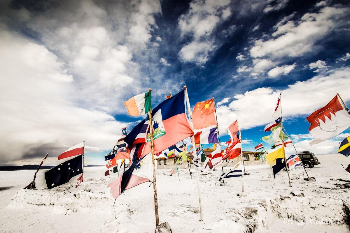 Monumento das Bandeiras, Salar de Uyuni - Bolívia