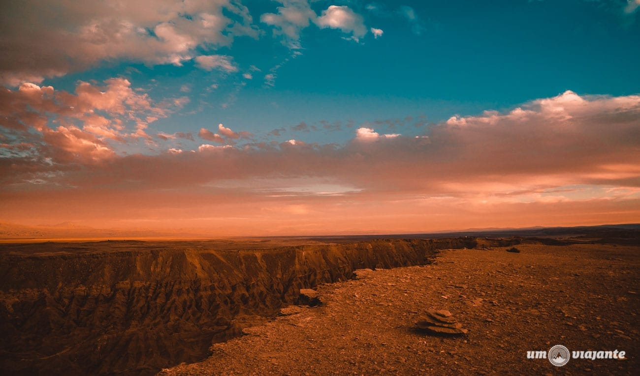Pôr do sol no Valle de la Muerto - FlaviaBia Expediciones
