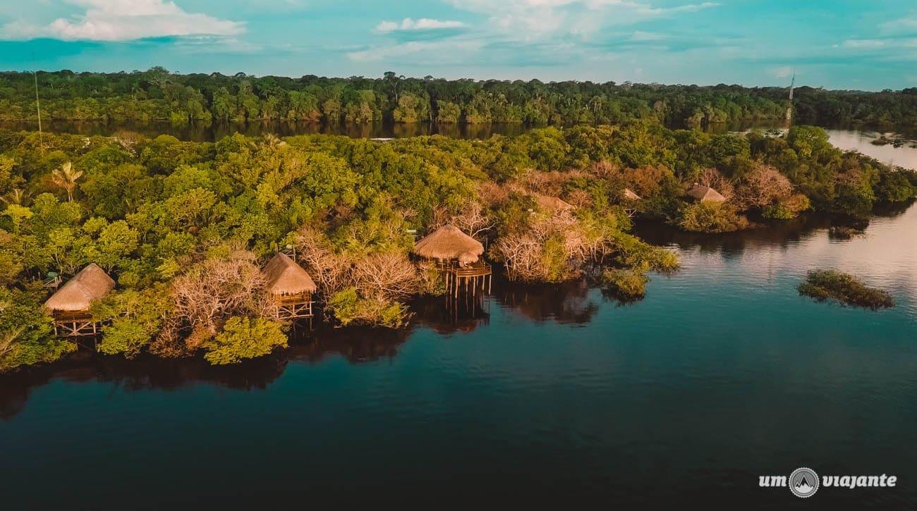 Hotel Juma na época da cheia dos rios da Amazônia