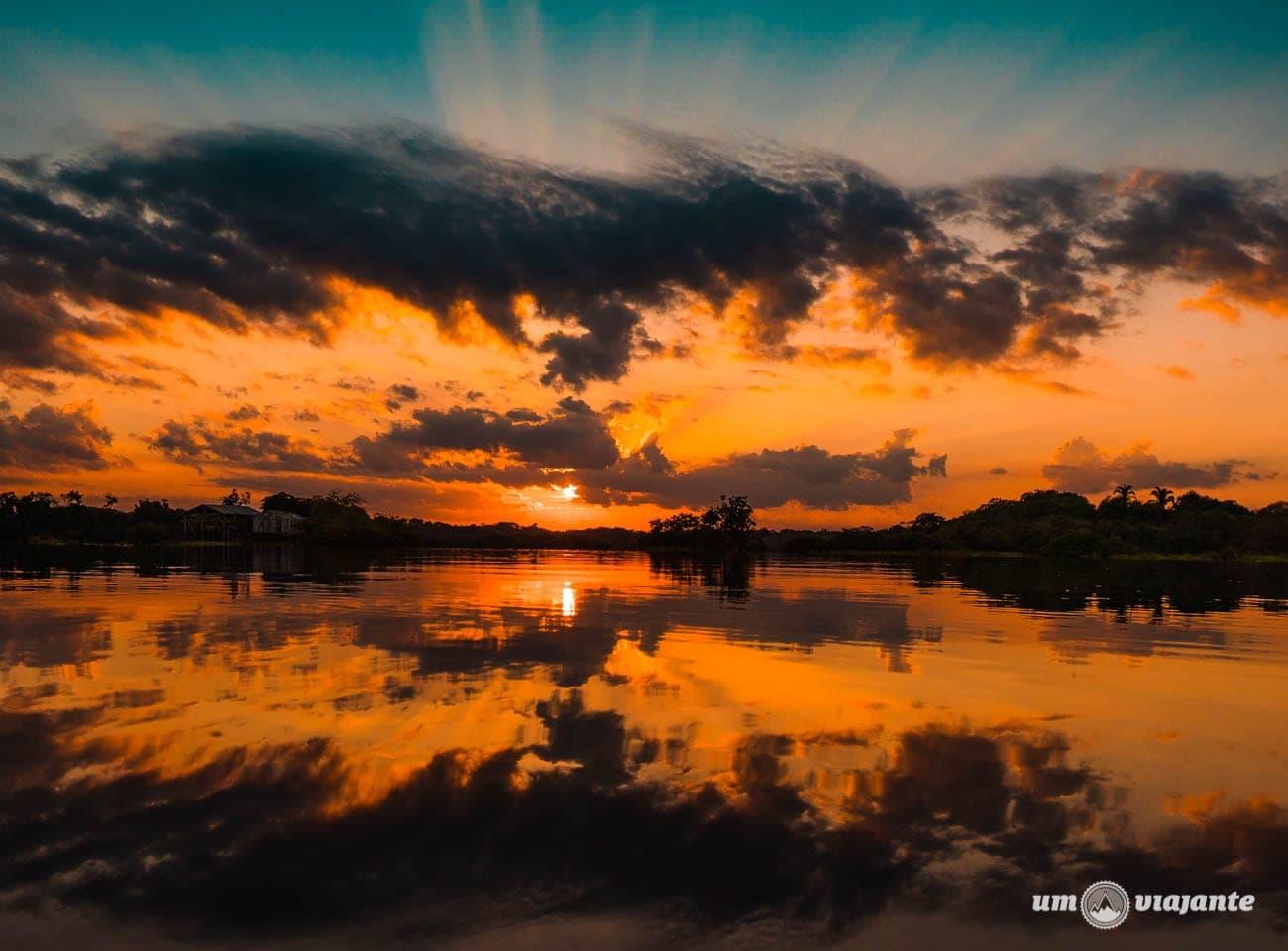 Nascer do sol na Amazônia - Juma Amazon Lodge