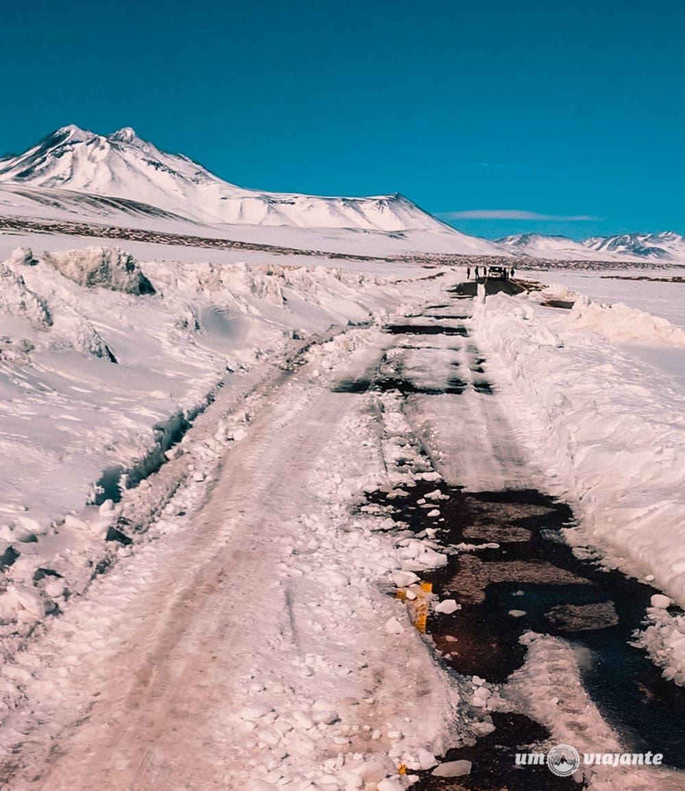 Estrada com neve no Atacama - Final de Julho