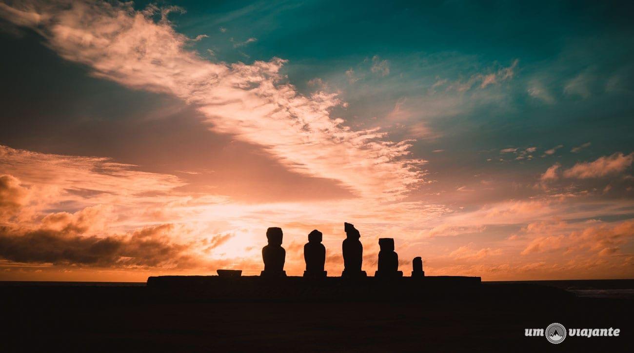 Pôr do sol na Ilha de Páscoa - Ahu Tahai
