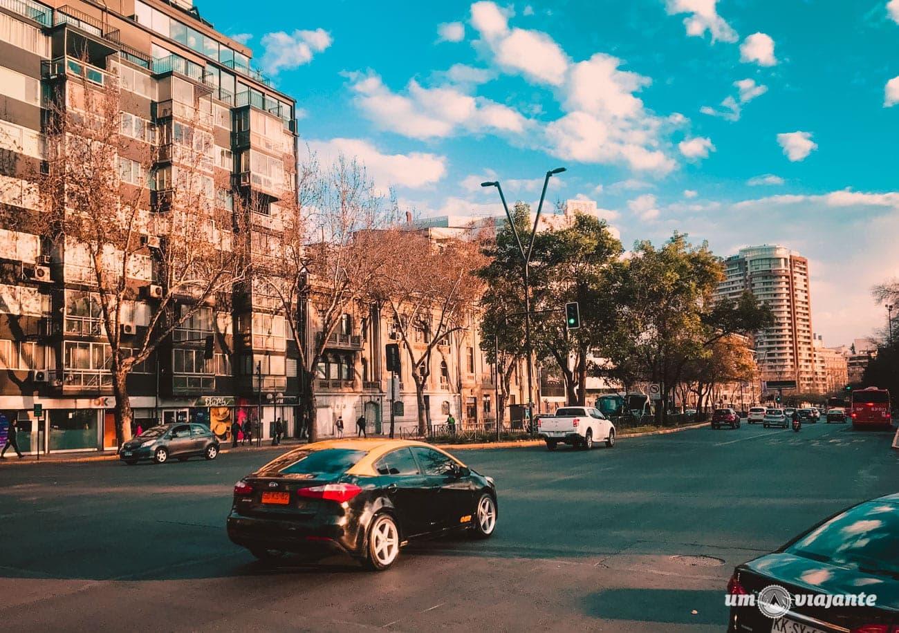 Uber e táxi em Santiago