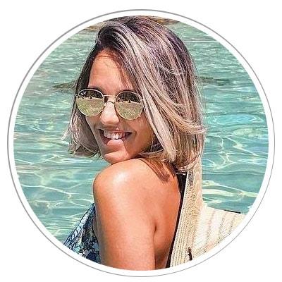 Amanda, autora do blog Preciso Viajar