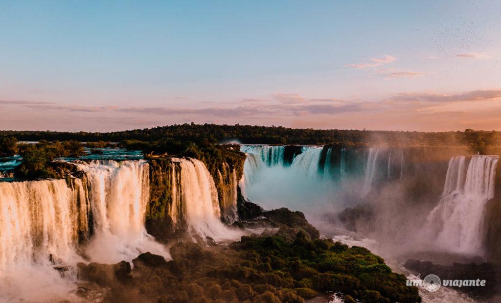 Pôr do sol nas Cataratas do Iguaçu