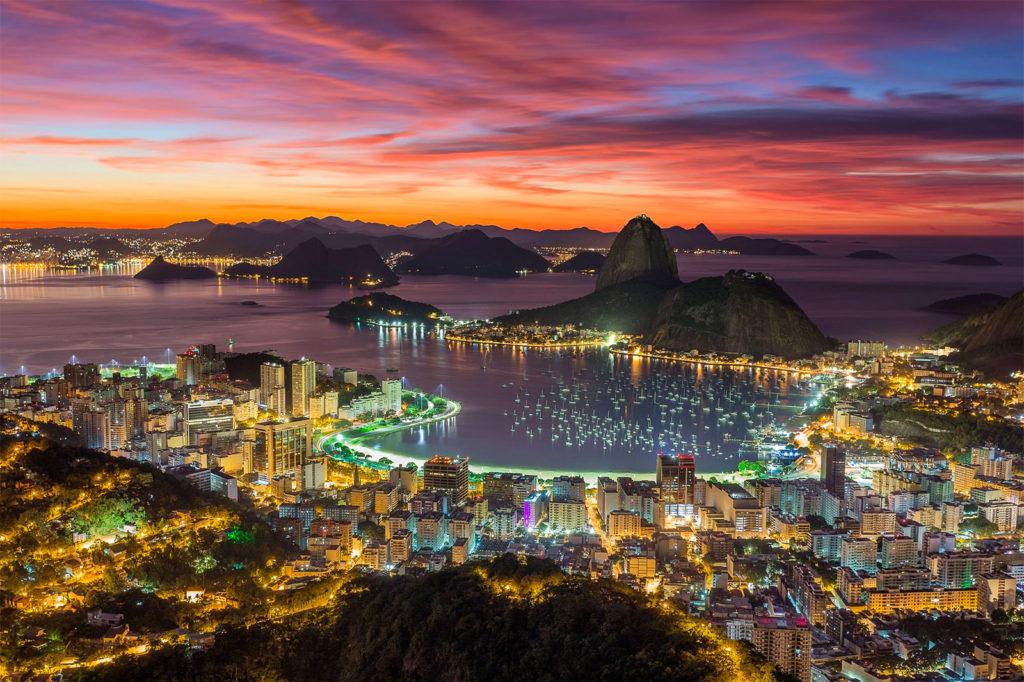 Pôr no sol na cidade do Rio de Janeiro